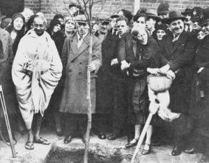 Ghandhi cuando se alojó en el Kingsey Hall