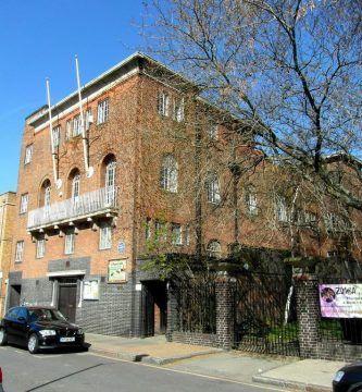 Kingsey Hall centro de antipsiquiatría